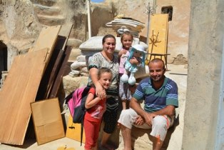 Charity gives aid to repair 2,000 homes for Christians in Iraq