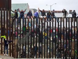 Top Border Agent to Congress: 'Unprecedented Crisis at Border'